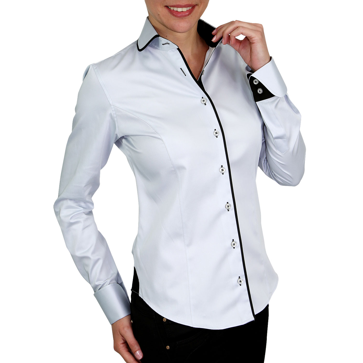Woman shirt napolitan cuffs