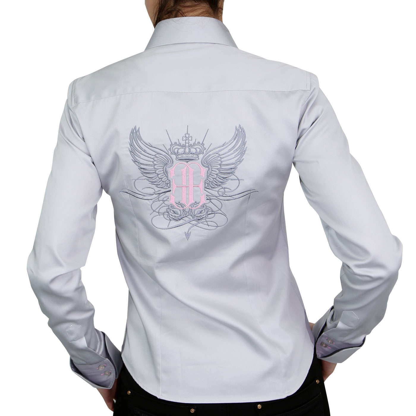 Woman shirt embroidered